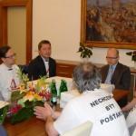 Starostové proti rušení pošt s premiérem Sobotkou